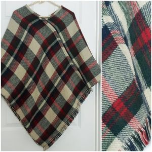 Sweaters - Poncho - Reversible Plaid